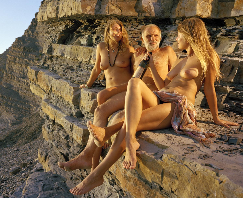 Фильм голые на море, фото порно хватается за сиську